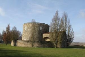 Schmitthenner_Soldatenfriedhof_Bourdon_Ansicht_von_Nordosten